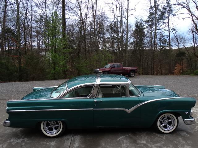 Ford 1955 - 1956 custom & mild custom - Page 7 20180373