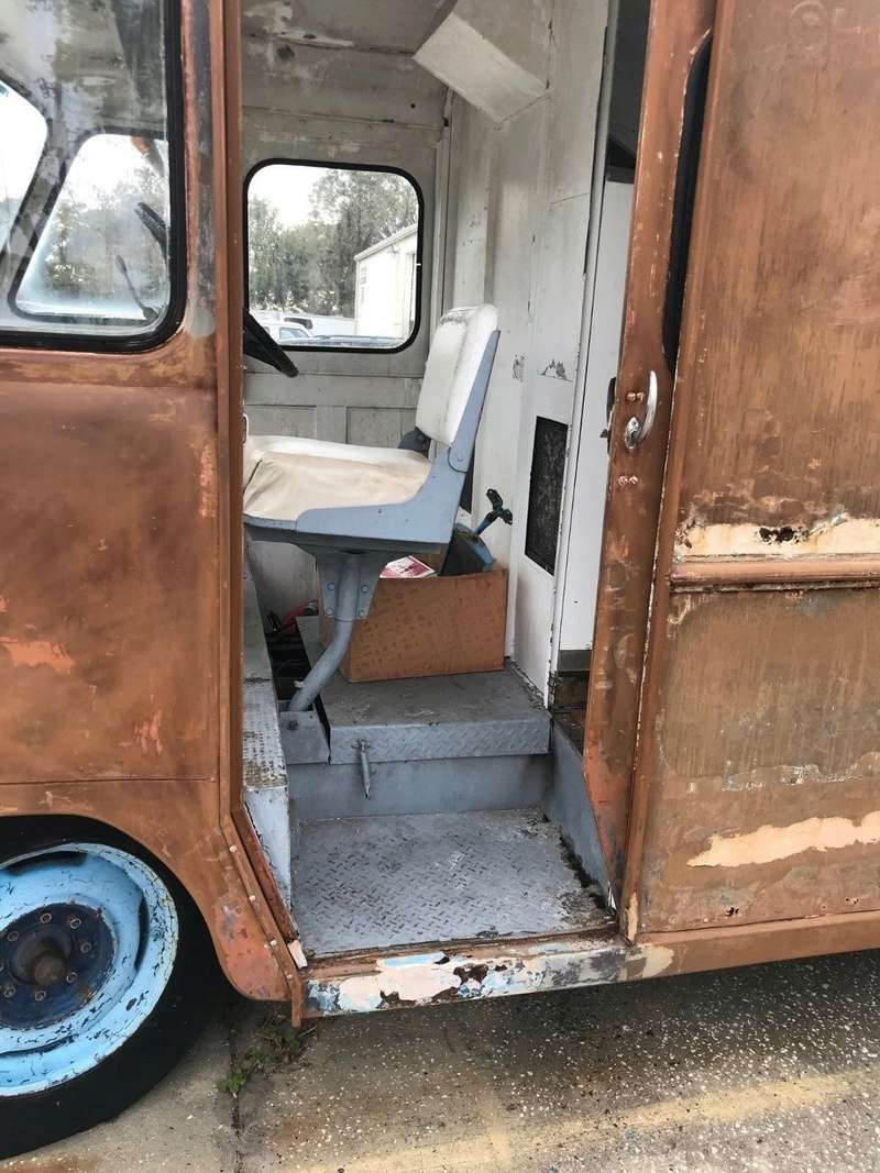1958 Ford ice cream truck 2313