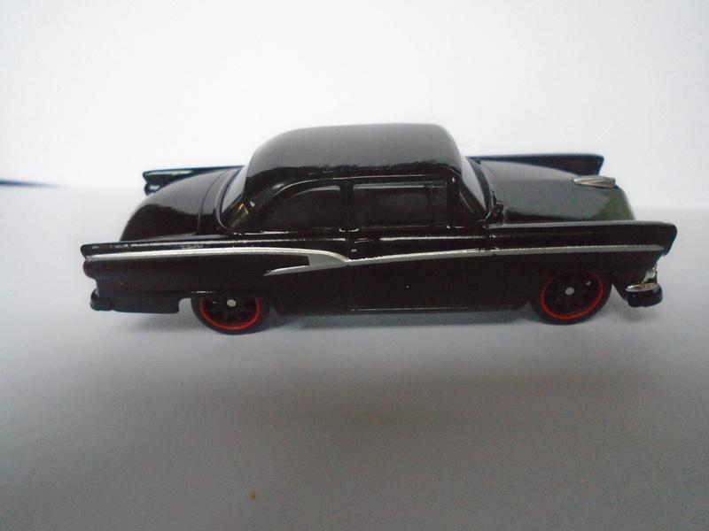Mattel 1/50 Fast and Furious séries - Ford 1955 - Chevrolet Corvette 1966 Dsc02017