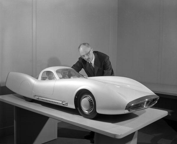 Prototype, maquette et exercice de style - concept car & style - Page 3 Sol_1910