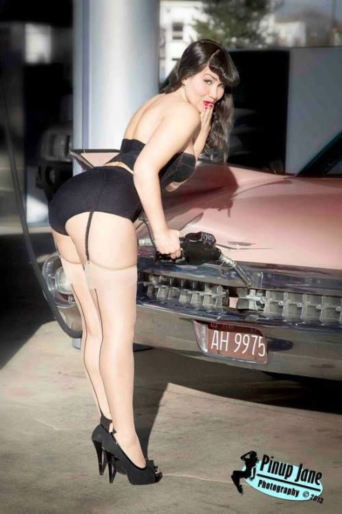 Hot Rod Pinup  - Page 8 23659410