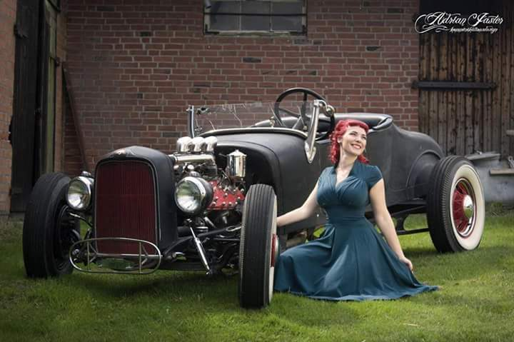 Hot Rod Pinup  - Page 9 Fb_im102