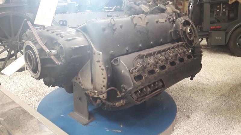 uniquement pour amateurs de gros............moteurs. Moteur11