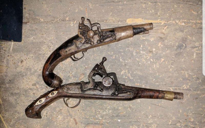 Pistolet ancien vrai ou faux  20180324