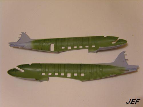 Douglas C-47 Dakota Mk III + véhicules et figurines ( Airfix 1/72 ) F083d110