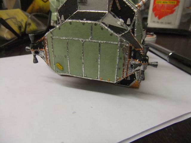 Le Module Lunaire de MONOGRAM/REVELL au 1/48ieme ! - Page 5 Dscf2480