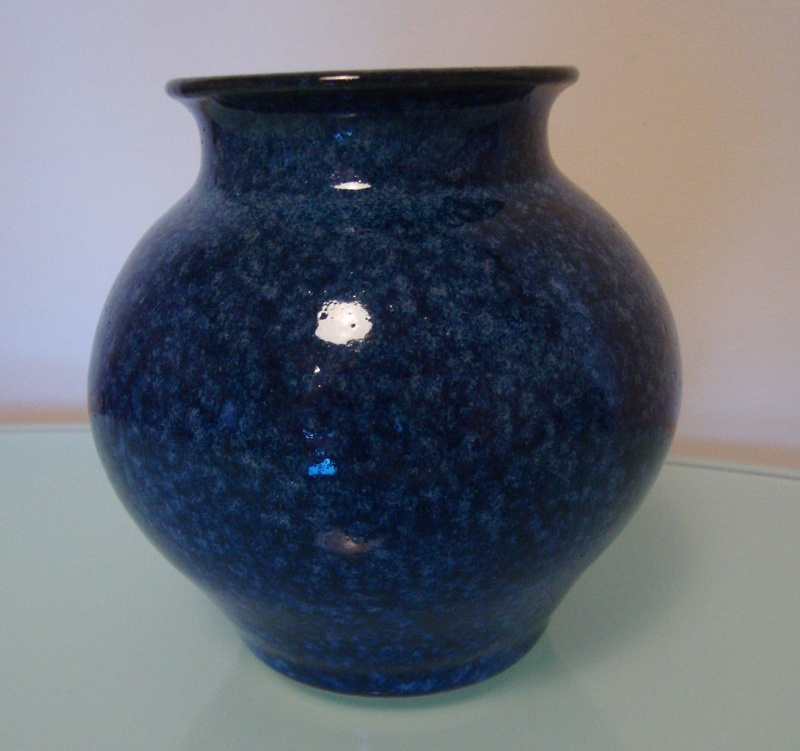 blue pot Bp10