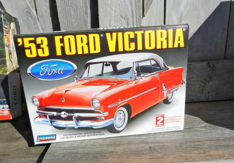 [lindberg 1/25°] Ford 53 victoria  S-l16010