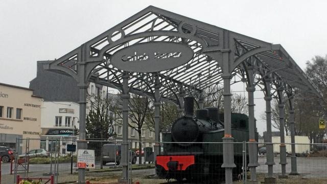 Carhaix. L'abri de la locomotive confié à la ferronnerie Crézé L-abri10