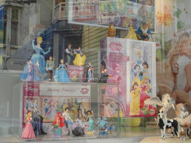 Disney Traditions by Jim Shore - Enesco (depuis 2006) - Page 38 Sam_0411