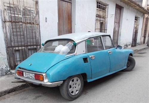 Les autos Cubaines - Page 2 Cuba_110