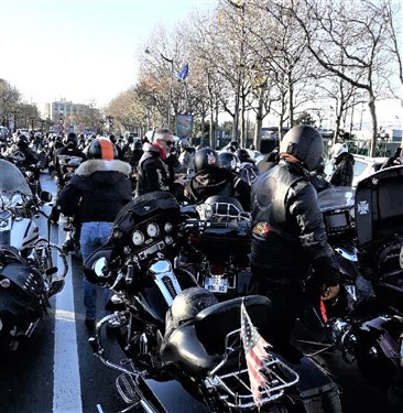 Hommage à JOHNNY  Harley11