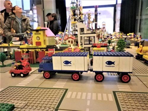 Voisins-le-Bretonneux. Exposition de jouets anciens, décembre 2017 Imgp1934