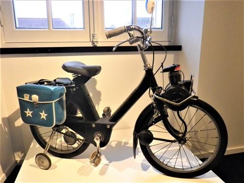 Voisins-le-Bretonneux. Exposition de jouets anciens, décembre 2017 Imgp1952