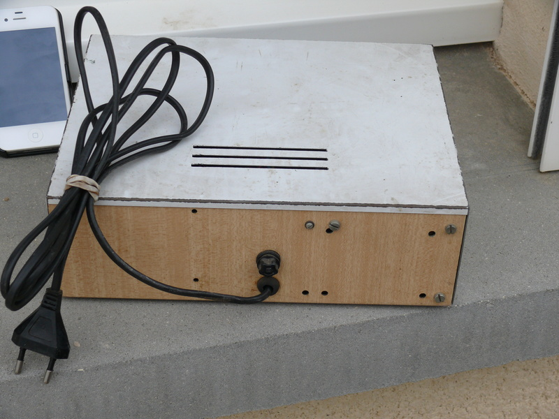 donne composants électronique, sinon décheterie. P1170332