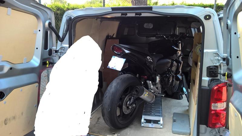 Des photos de vos jumpy/expert/scudo chargés avec moto(s) HELP ! Wp_20147