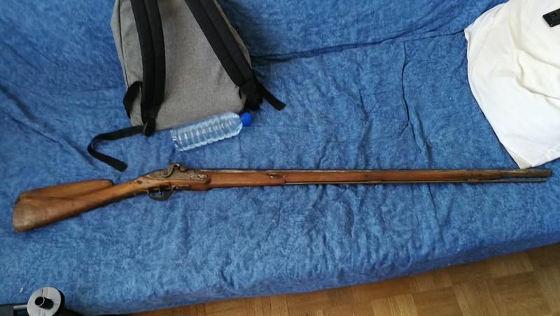 Fusil à percussion trouvé en brocante Img_2732