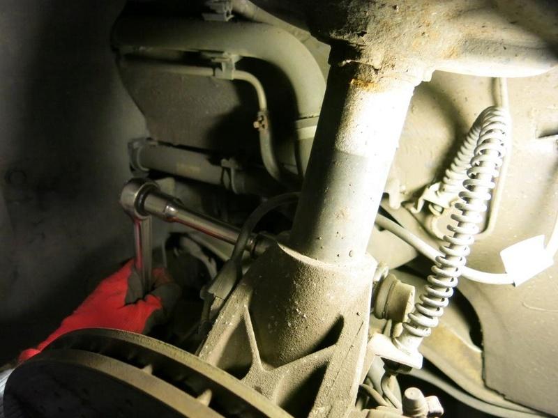 Remplacement des amortisseurs AV/AR sur 996, ancienne 214