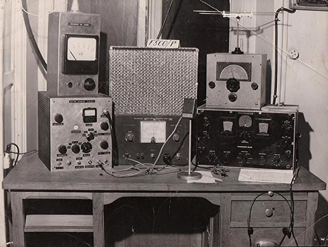 Radio... (non identifié) & TSF - Page 2 11626210