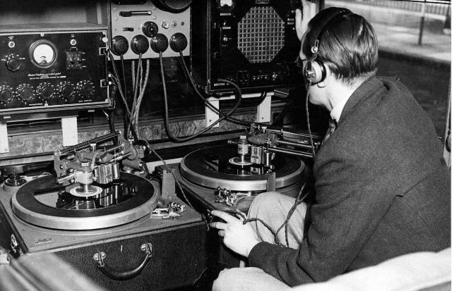 Radio... (non identifié) & TSF - Page 2 67384310