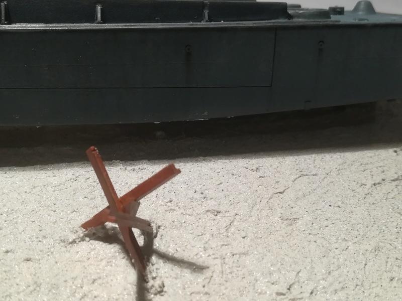 Sur la plage abandonnée.... (LCVP Heller 1/72) - Page 2 Img_1093