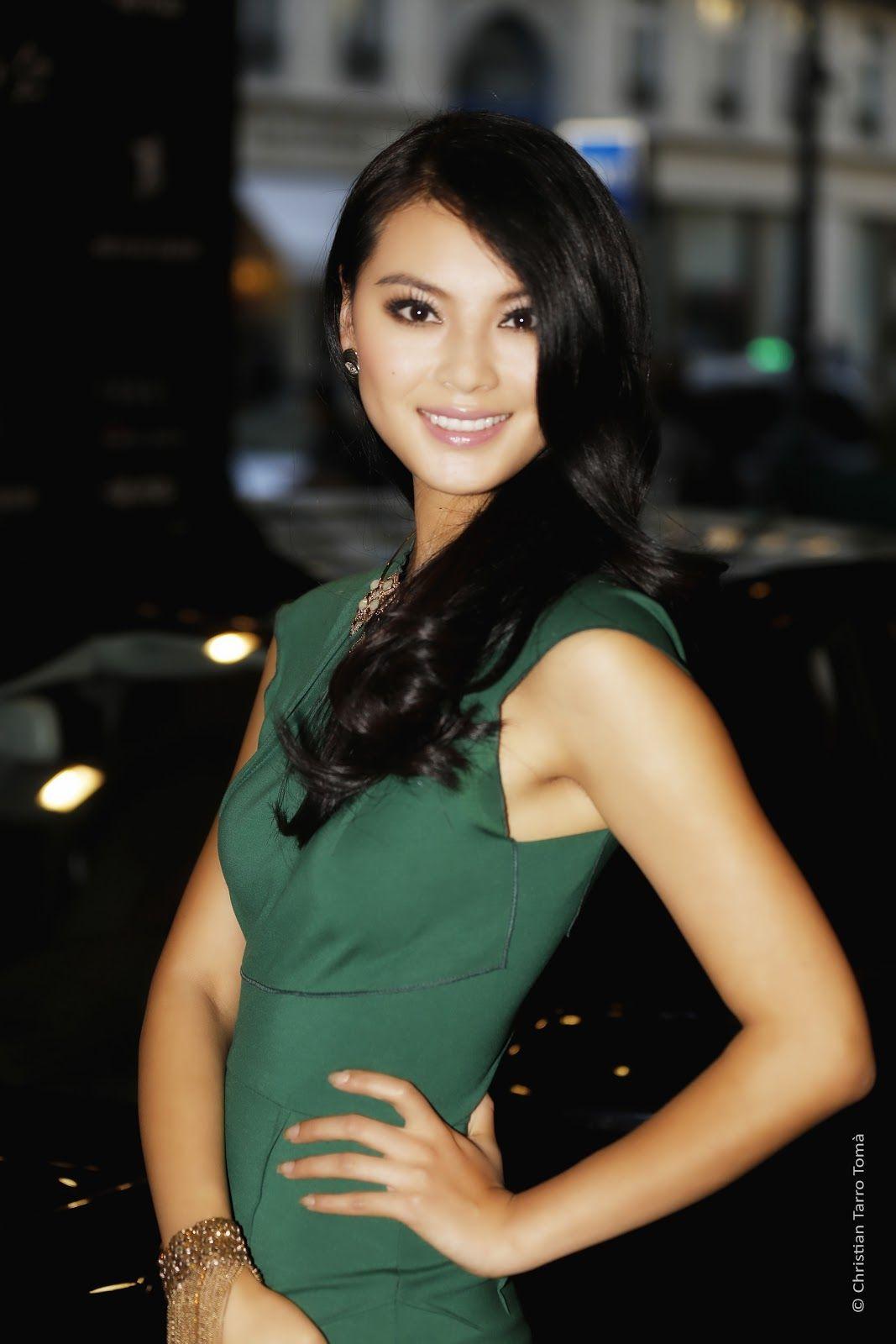 wenxia yu, miss world 2012.  03dee110
