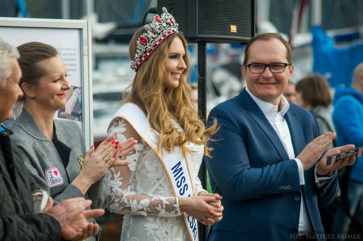 magdalena bienkowska, 2nd runner-up de miss supranational 2018/top 40 de miss world 2017/top 15 de miss international 2016. - Página 5 1-17-k10
