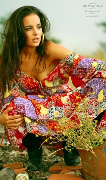 fatima jimenez triguero, miss espana mundo 2010. - Página 2 13yosw10