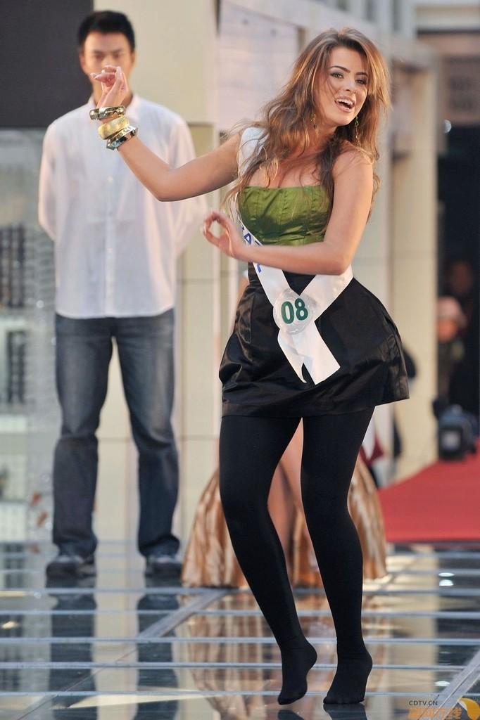 rayanne morais, semifinalista de miss international 2009. - Página 3 20091111