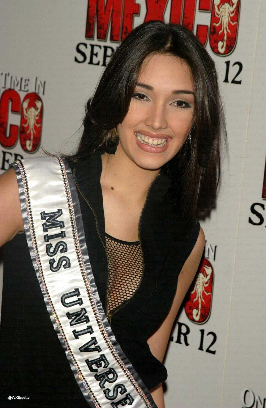 ════ ∘◦❁◦∘ ════ Amelia Vega, Miss Universe 2003. ════ ∘◦❁◦∘ ════ 2012