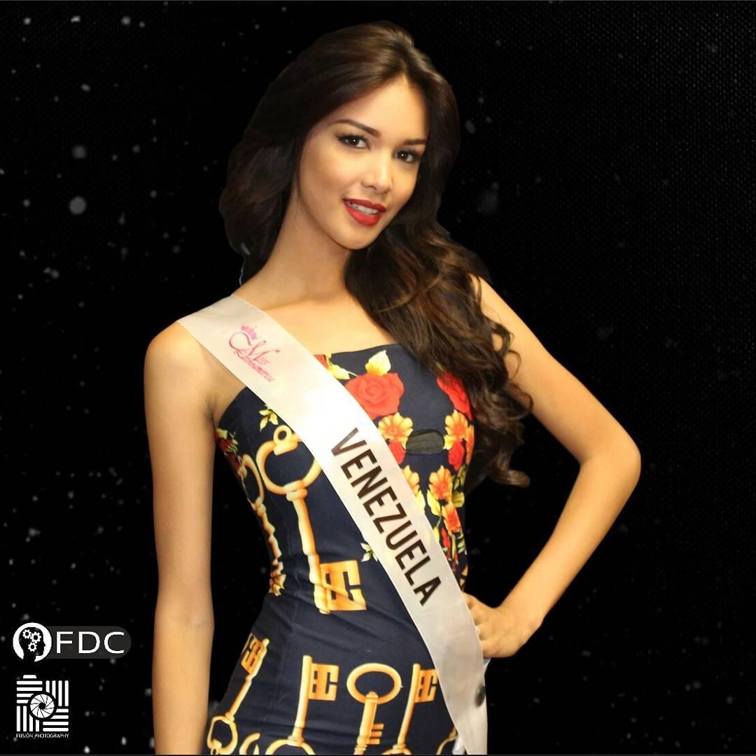 ¡Venezolana Lisandra Chirinos gana Miss Latinoamérica 2017! 21980610