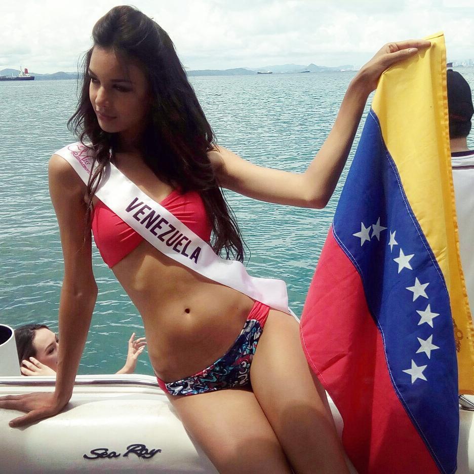 ¡Venezolana Lisandra Chirinos gana Miss Latinoamérica 2017! 22071210