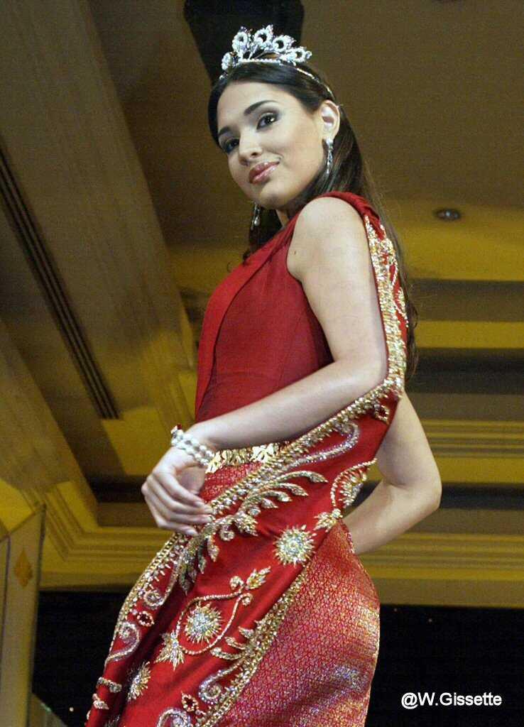 ════ ∘◦❁◦∘ ════ Amelia Vega, Miss Universe 2003. ════ ∘◦❁◦∘ ════ 2210