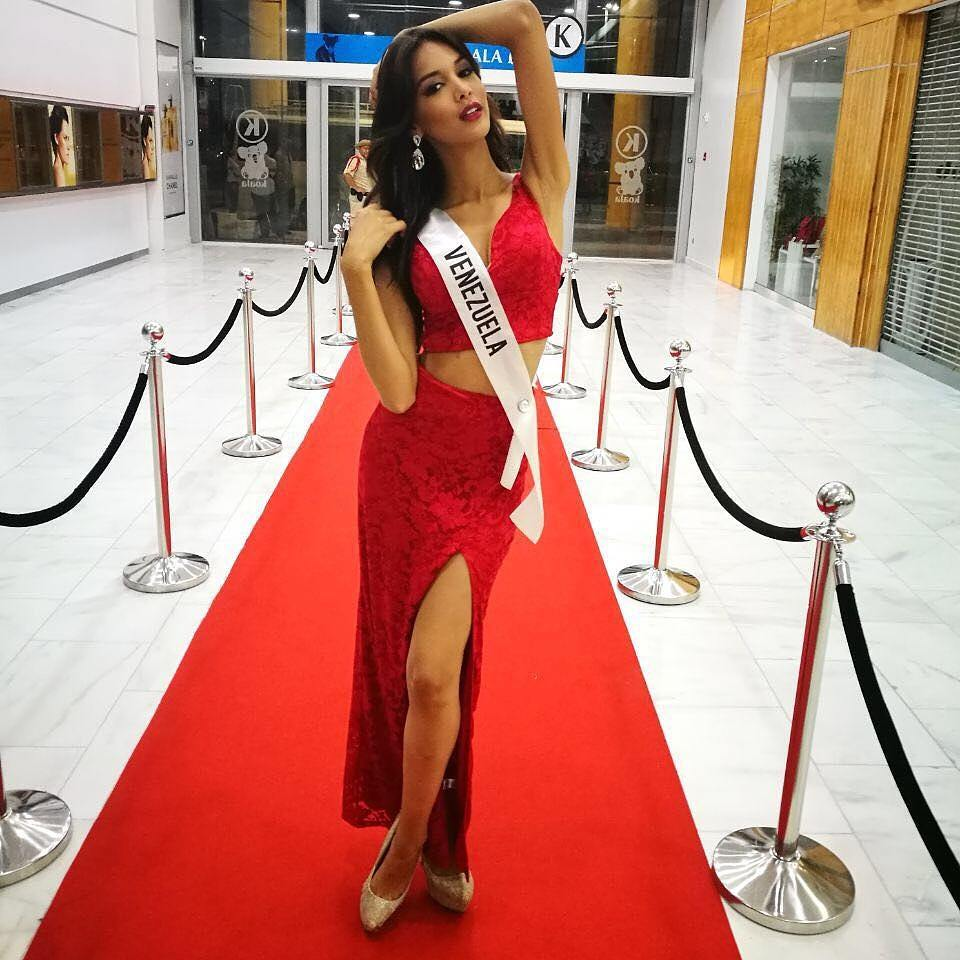 ¡Venezolana Lisandra Chirinos gana Miss Latinoamérica 2017! 22220710