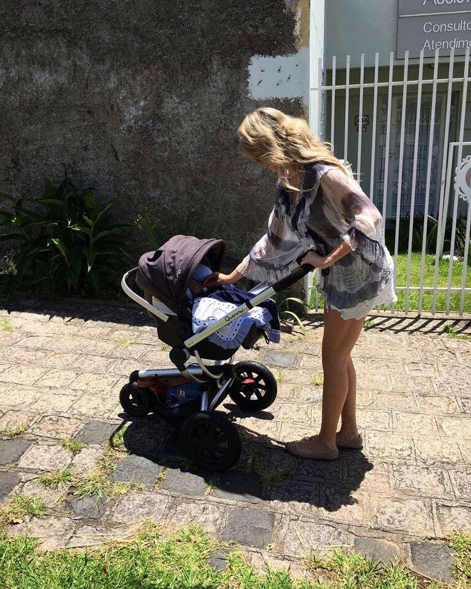 marylia bernardt, miss brasil continente americano 2010. - Página 4 25008513