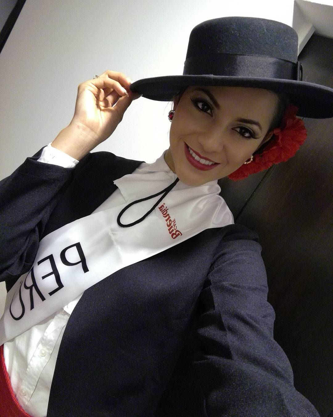 gabriela lambruschini, miss peru reyna internacional cafe 2018. - Página 4 26186510