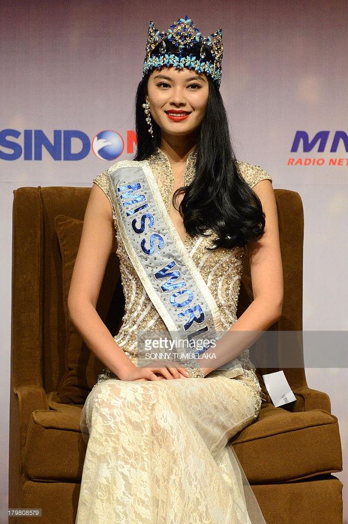 wenxia yu, miss world 2012.  2qgl9k10