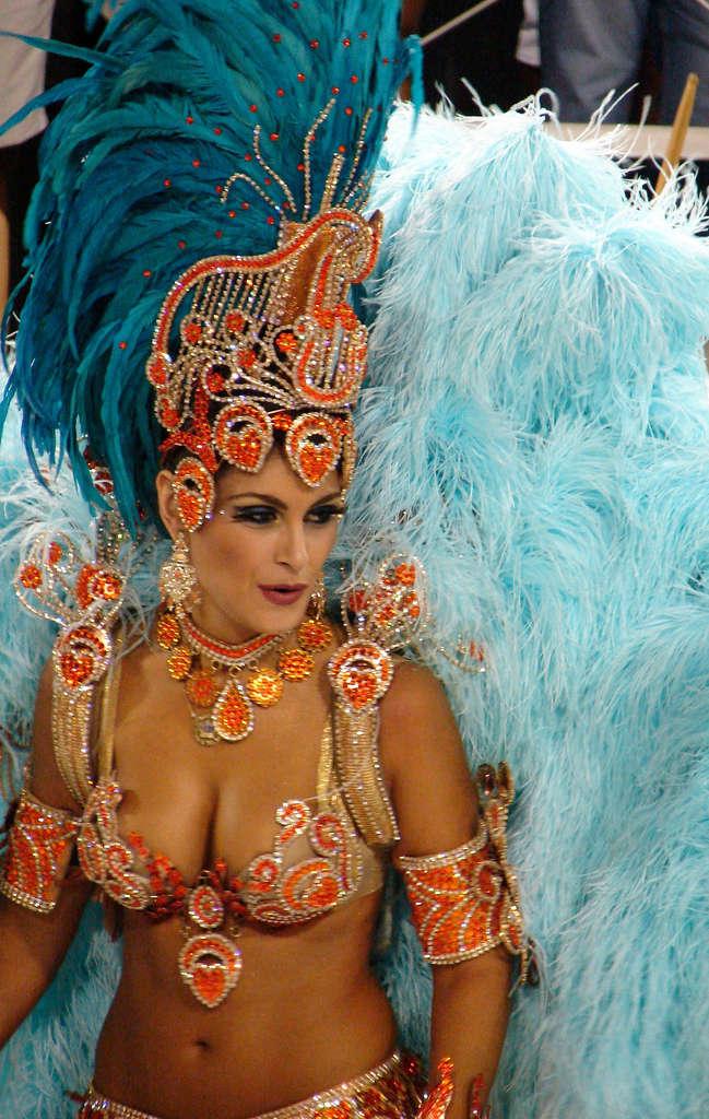 natalia guimaraes, miss brasil 2007. - Página 7 33333510