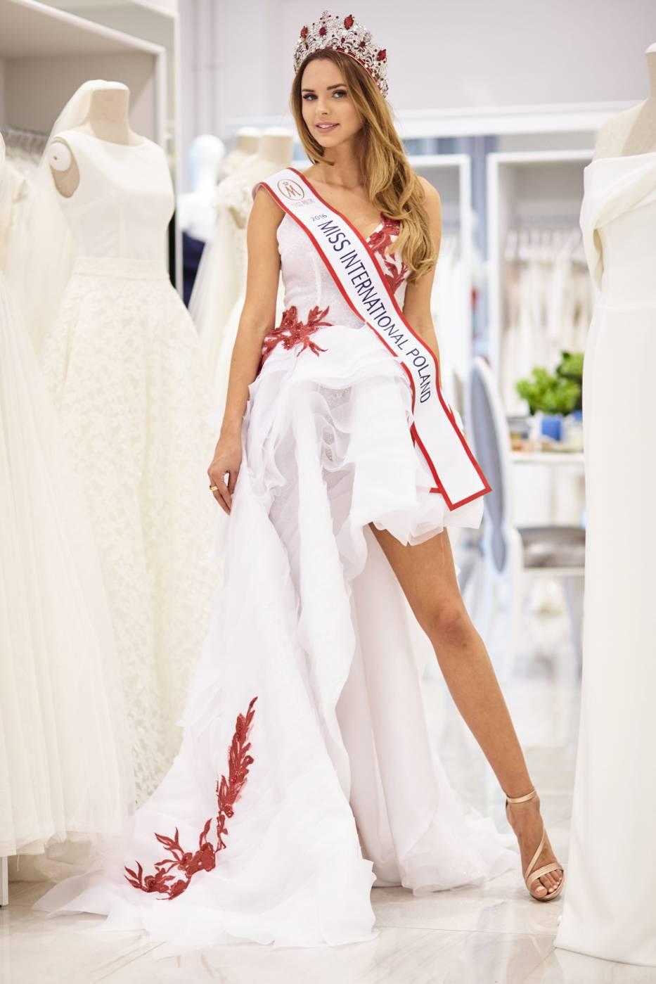 magdalena bienkowska, 2nd runner-up de miss supranational 2018/top 40 de miss world 2017/top 15 de miss international 2016. - Página 4 5804c510
