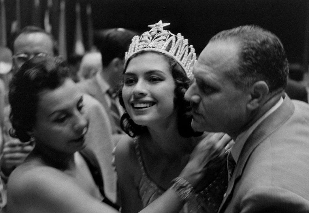 gladys zender, miss universe 1957. primera latina a vencer este concurso. 65958910