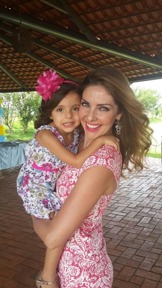 lara brito, miss mundo brasil 2003. - Página 2 7t5g5a10