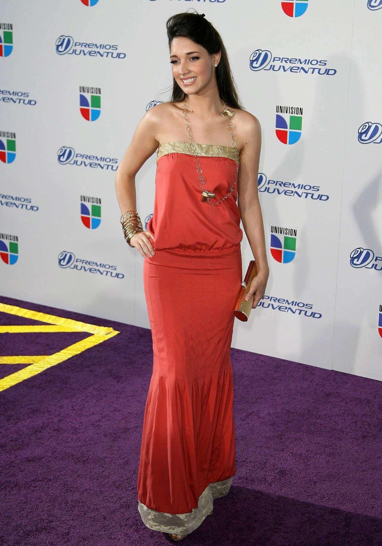 ════ ∘◦❁◦∘ ════ Amelia Vega, Miss Universe 2003. ════ ∘◦❁◦∘ ════ - Página 5 Amelia11