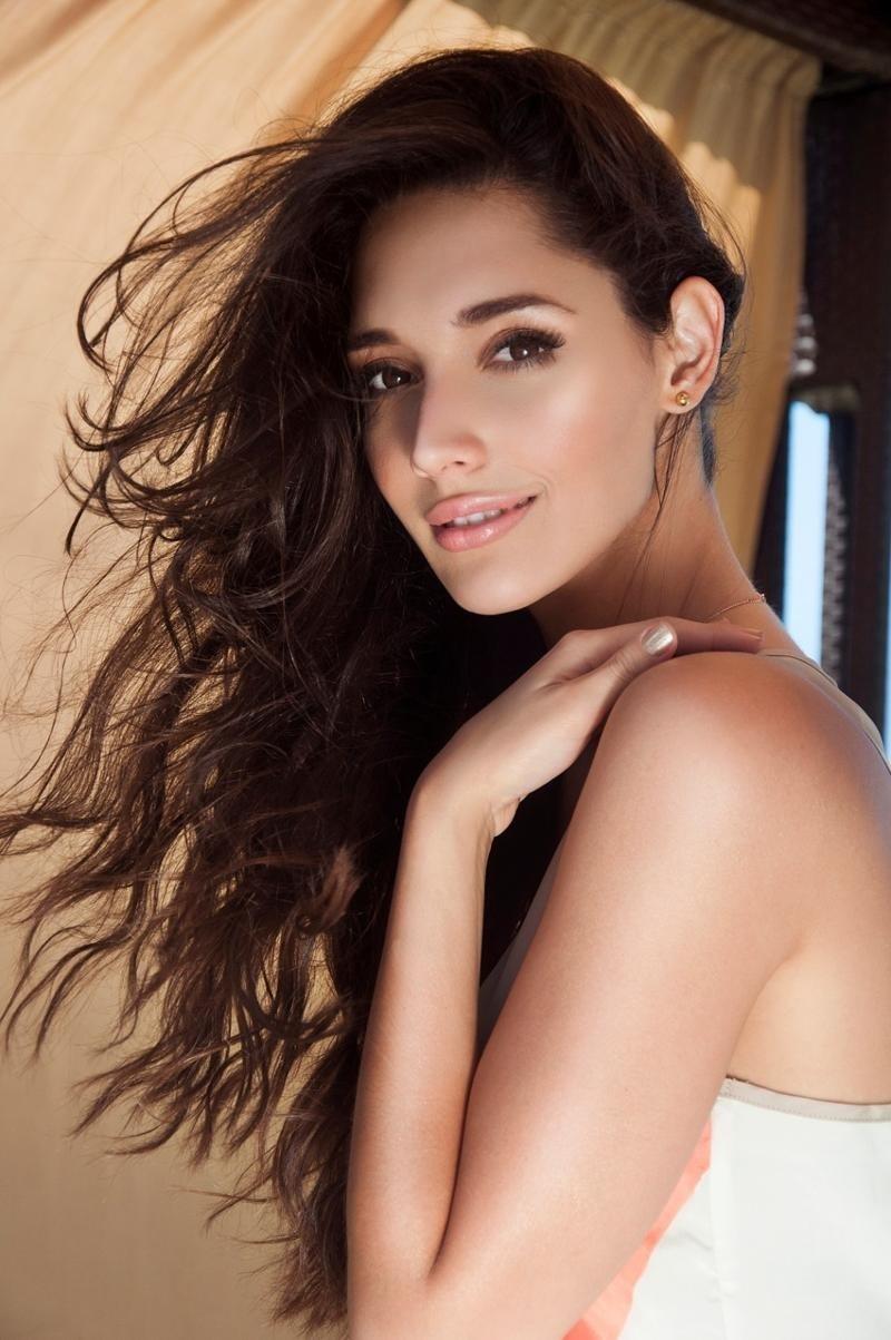 ════ ∘◦❁◦∘ ════ Amelia Vega, Miss Universe 2003. ════ ∘◦❁◦∘ ════ - Página 5 Amelia16