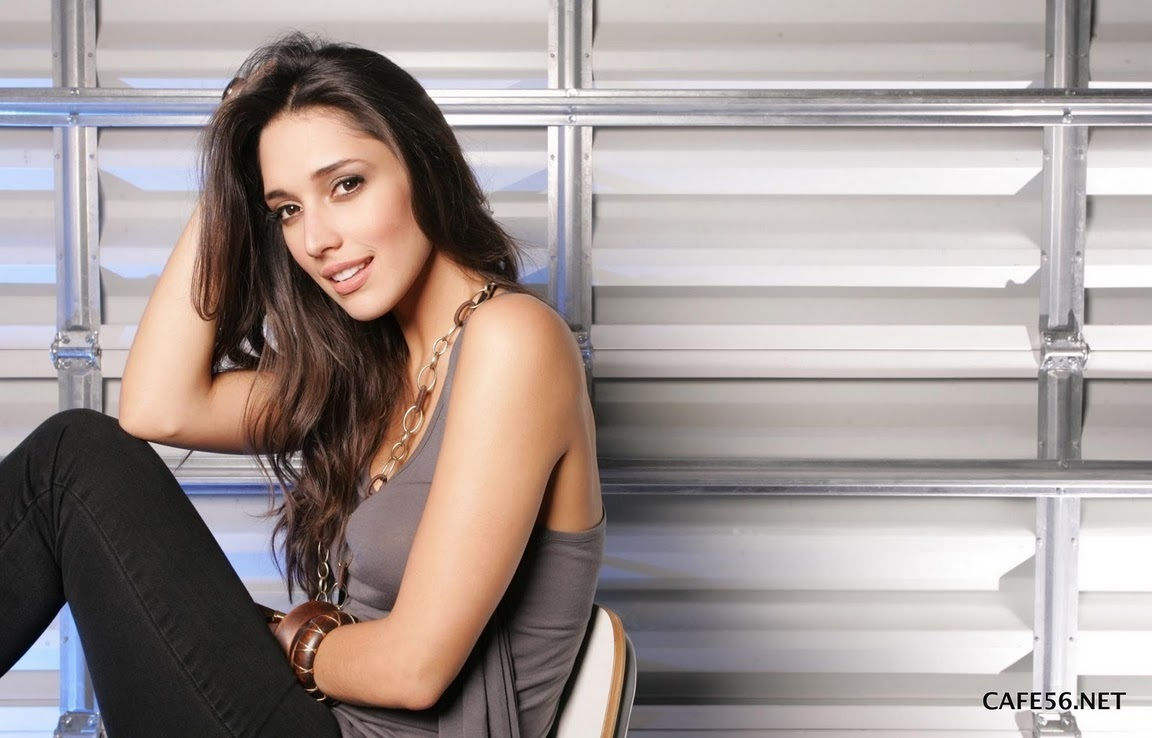 ════ ∘◦❁◦∘ ════ Amelia Vega, Miss Universe 2003. ════ ∘◦❁◦∘ ════ - Página 5 Amelia17