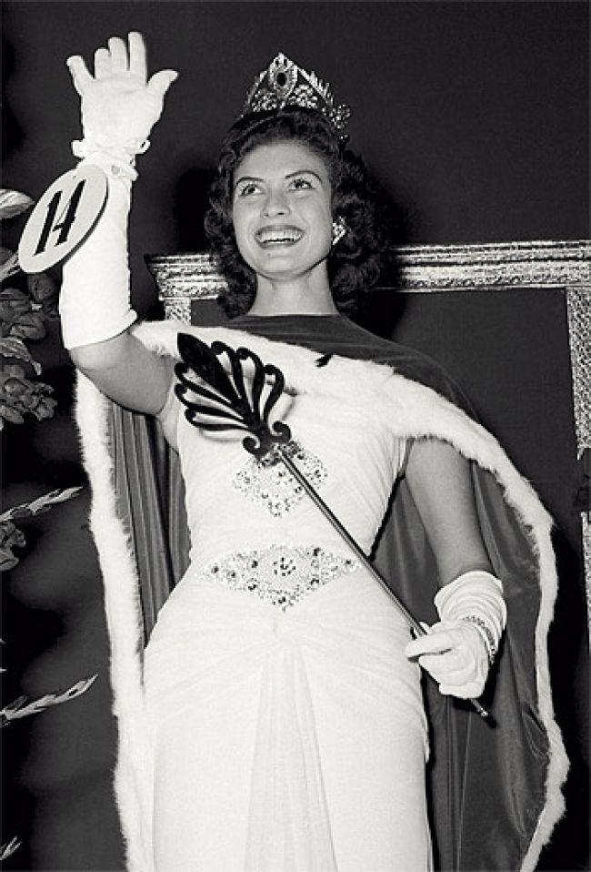 gladys zender, miss universe 1957. primera latina a vencer este concurso. Ckxg6n10