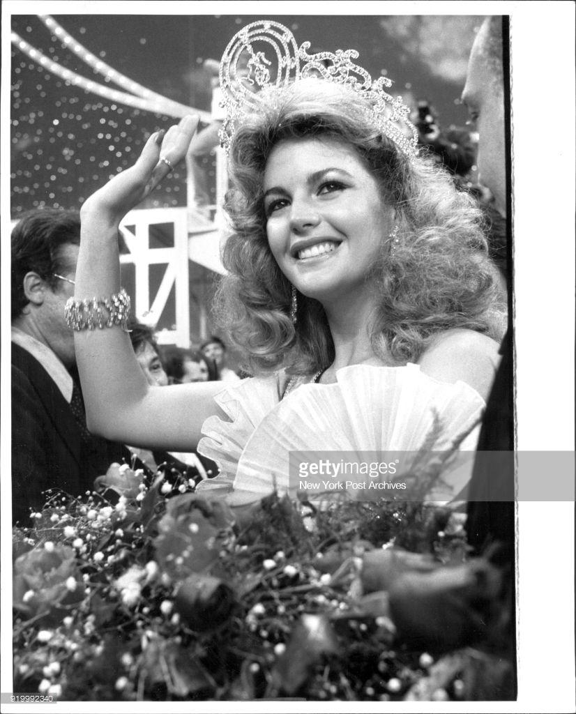 irene saez, miss universe 1981. - Página 3 Cvdwja10