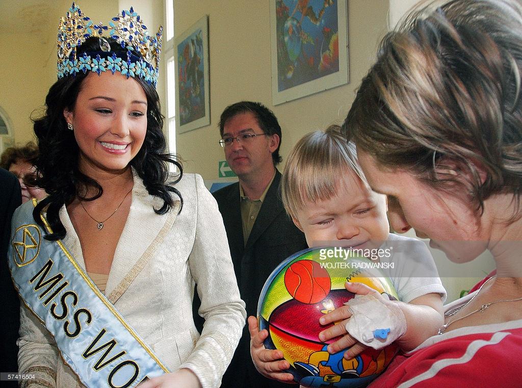 unnur birna vilhjalmsdottir, miss world 2005. - Página 4 Ddvr3j10