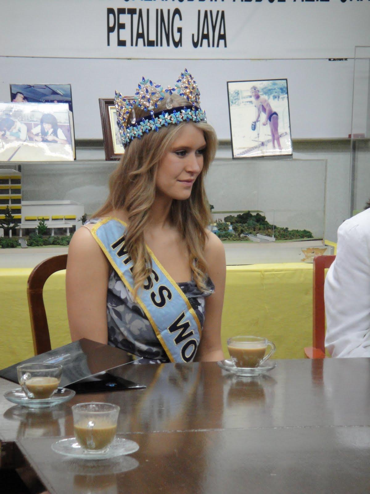 alexandria mills, miss world 2010. - Página 4 Dsc00410