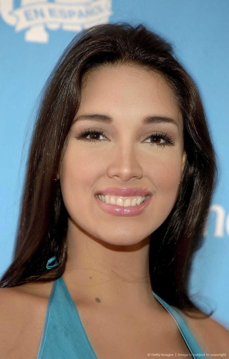 ════ ∘◦❁◦∘ ════ Amelia Vega, Miss Universe 2003. ════ ∘◦❁◦∘ ════ - Página 6 Full-a21