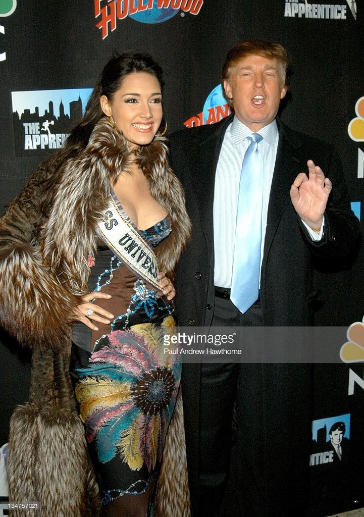 ════ ∘◦❁◦∘ ════ Amelia Vega, Miss Universe 2003. ════ ∘◦❁◦∘ ════ - Página 8 Gpid6h10